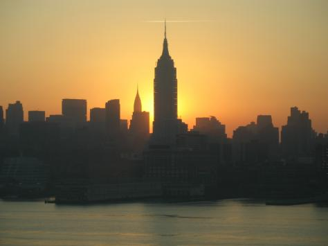 p496776-New_York-Sunrise_over_Manhattan_and_Empire_State_Building